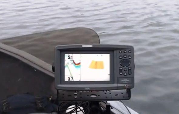 какой эхолот лучше для рыбалки с лодки на сома